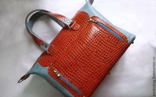 Сумка женская кожаная. Кожаная сумка с хольнитенами. Сумка кожаная под рептилию