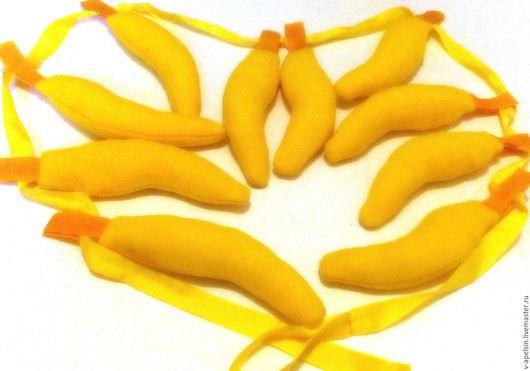 Бананчики на липучках. Бананы для игры лимбо и не только. Их можно срывать, собирать и кидаться друг в друга:) Мягкие и безопасные. В комплекте 10шт , лента