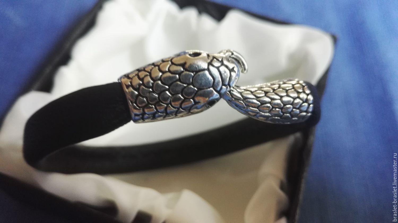 Браслеты из змеек
