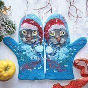 Аксессуары handmade. Livemaster - original item Felted mittens with seals, Christmas seals. Handmade.