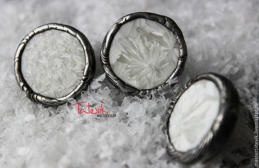 """Кольца ручной работы. Ярмарка Мастеров - ручная работа. Купить Колечко """"Белый иней"""" Тиффани. Handmade. Белый, зимнее кольцо"""