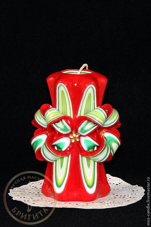 Новогодний подарок - резная свеча ручной работы Дюймовочка. Цветовая коллекция `Новогодняя1 (красная)`. Свечная Мастерская Бригита. Елена Ремизова