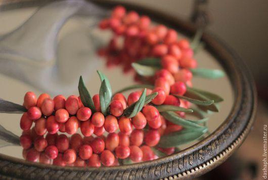 """Колье, бусы ручной работы. Ярмарка Мастеров - ручная работа. Купить бусы """"Облепиха"""". Handmade. Рыжий, колье с ягодами, акварель"""