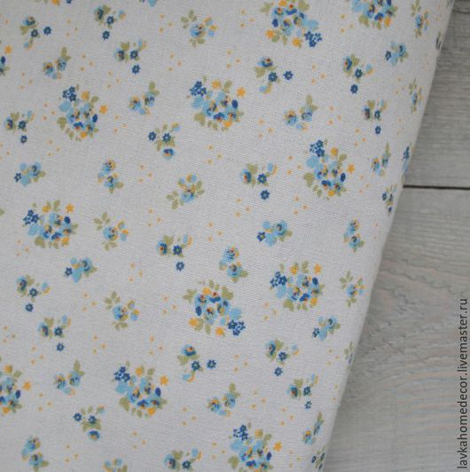 Лен натуральный Мелкоцвет голубой, 50х50см, 2555