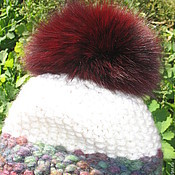 Аксессуары ручной работы. Ярмарка Мастеров - ручная работа Бордо - шапка вязаная шерсть бордо белый пушистый помпон. Handmade.