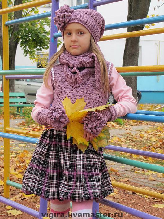 """Одежда для девочек, ручной работы. Ярмарка Мастеров - ручная работа. Купить Комплект """"Первоклашка"""". Handmade. Вязаная безрукавка, школьная мода"""
