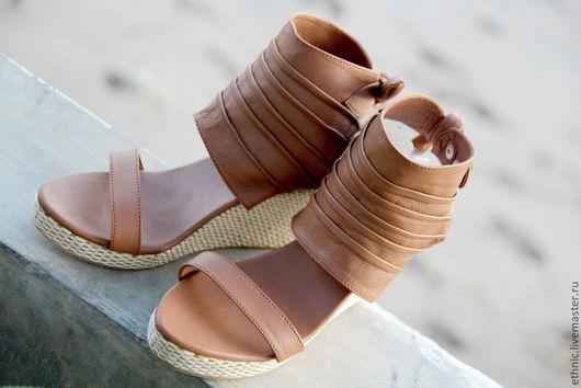 Обувь ручной работы. Ярмарка Мастеров - ручная работа. Купить Туфли на танкетке из натуральной кожи ягненка. Handmade. Коричневый, танкетка