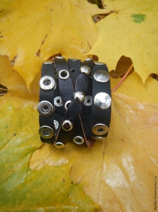 Браслеты ручной работы. Ярмарка Мастеров - ручная работа. Купить Кожаный браслет с клепками, люверсами, клепками Перепутье. Handmade.