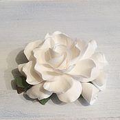 Украшения ручной работы. Ярмарка Мастеров - ручная работа Заколка для волос белая с цветами из полимерной глины. Handmade.
