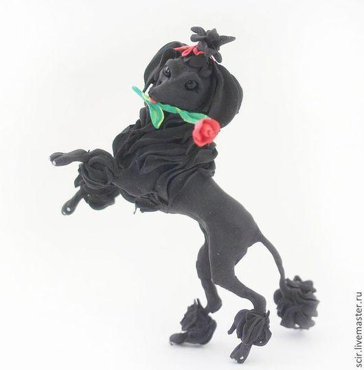 """Игрушки животные, ручной работы. Ярмарка Мастеров - ручная работа. Купить Фигурка """"Пуделёк с розой"""" (собака породы пудель). Handmade."""