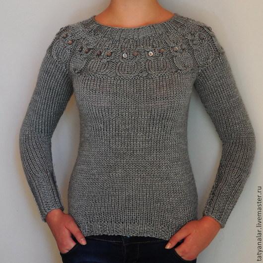Приталенный свитер с совами связан по фотографии очаровательной работы шотландского дизайнера Kate Davies.