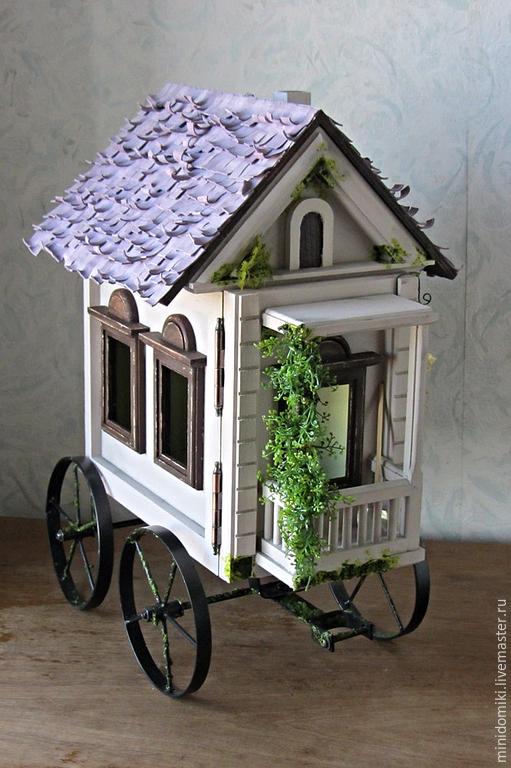 Кукольный дом ручной работы. Ярмарка Мастеров - ручная работа. Купить Деревянный домик на колесах. Handmade. Разноцветный, миниатюра