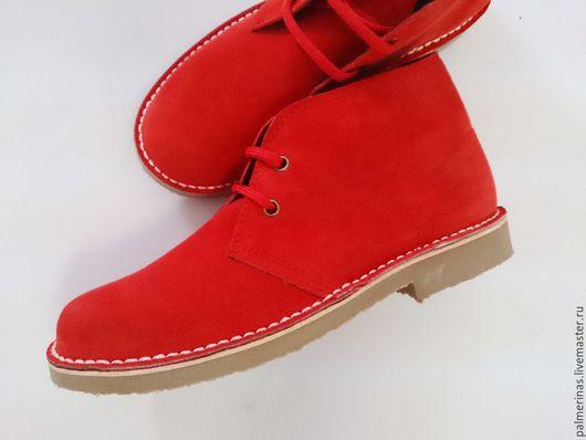 Обувь ручной работы. Ярмарка Мастеров - ручная работа. Купить Красные замшевые ботинки. Handmade. Ярко-красный, красные ботинки