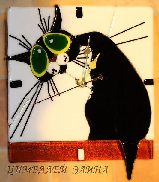 """Часы для дома ручной работы. Ярмарка Мастеров - ручная работа. Купить Часы """"Киса"""" фьюзинг. Handmade. Часы необычные"""