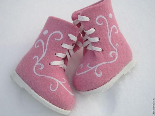 Обувь ручной работы. Ярмарка Мастеров - ручная работа. Купить Ботиночки валяные детские. Handmade. Розовый, теплая обувь