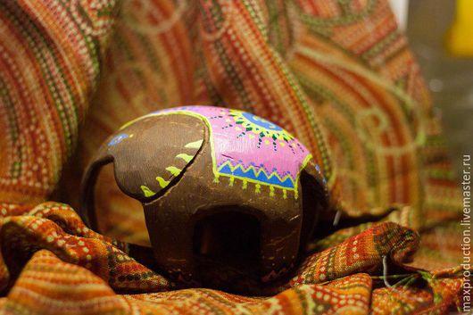 Статуэтки ручной работы. Ярмарка Мастеров - ручная работа. Купить Статуэтка из скорлупы кокоса. Handmade. Коричневый, слон, кокосовый орех