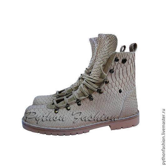 Ботинки из кожи питона. Дизайнерские ботинки из кожи питона на заказ. Модные ботинки из кожи питона. Стильные ботинки из кожи питона ручной работы. Красивые ботинки из кожи питона. Купить ботинки.