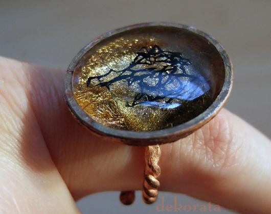 Кольца ручной работы. Ярмарка Мастеров - ручная работа. Купить Медное кольцо Реликвариум. Handmade. Необычное украшение, грубый, золотая