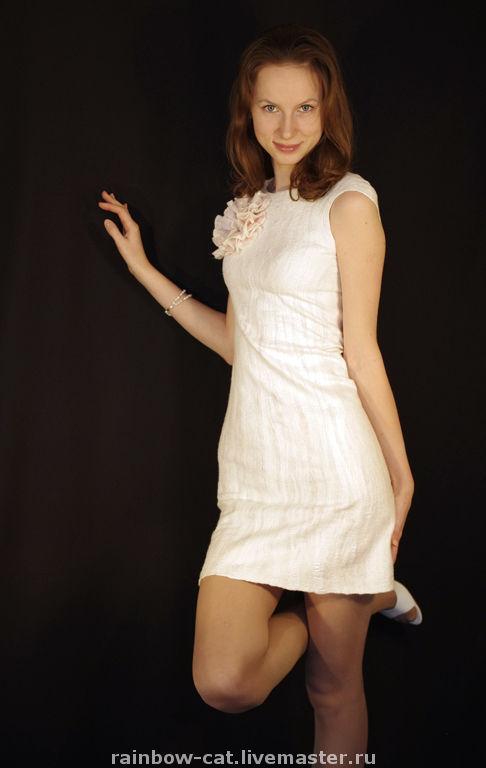 """Платья ручной работы. Ярмарка Мастеров - ручная работа. Купить Валяное платье """"Нежно-снежное"""". Handmade. Валяное платье, белый"""