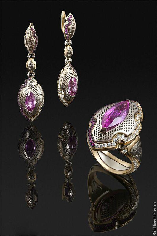 С007,комбинированное золото 750 пробы.  Центральная вставка розовый сапфир - 6.06ct(2шт) Бриллианты - 0.93ct. Розовые сапфиры - 0.946 ct. Вес - 21.4 г