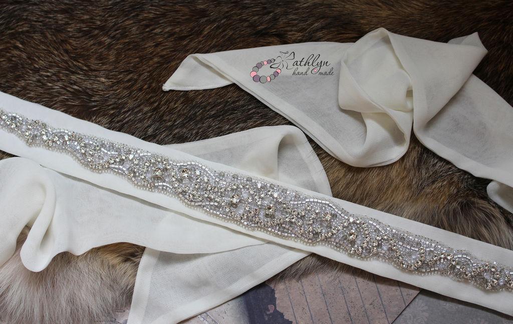 Платья из мусора для английских красавиц