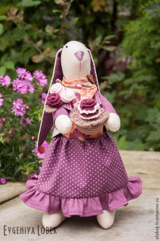Куклы Тильды ручной работы. Ярмарка Мастеров - ручная работа. Купить Зайка с пирожным. Handmade. Тильда заяц, подарок девушке