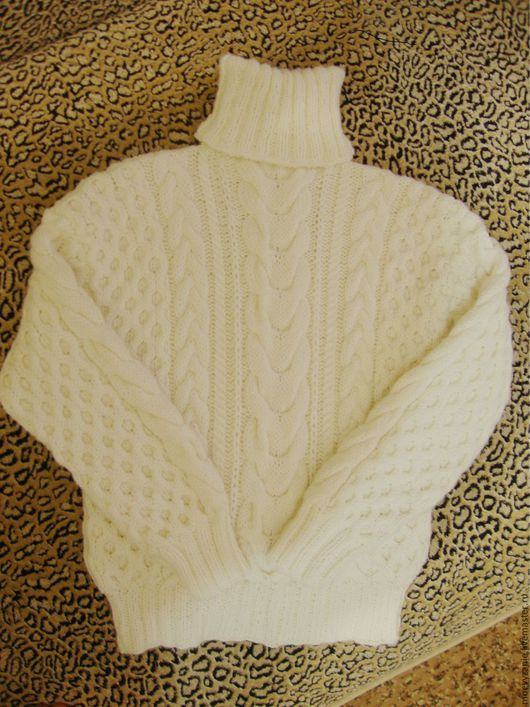 Кофты и свитера ручной работы. Ярмарка Мастеров - ручная работа. Купить Свитер теплый. Handmade. Белый, рисунок, полушерсть Россия