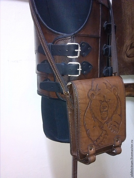 """Мужские сумки ручной работы. Ярмарка Мастеров - ручная работа. Купить Сумка """" медведь"""". Handmade. Коричневый, сумка с декором"""