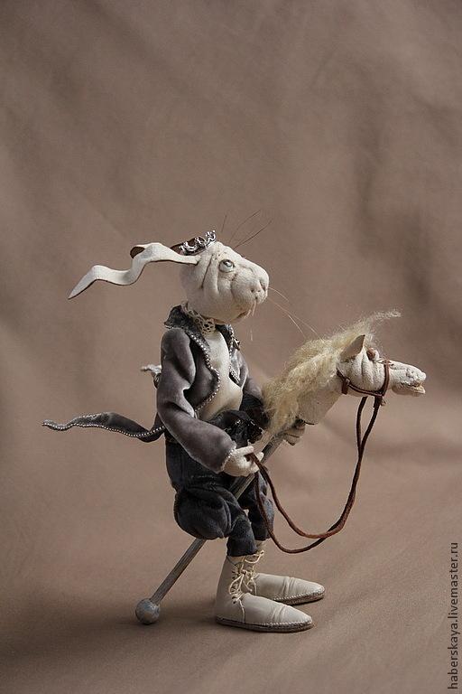 """Коллекционные куклы ручной работы. Ярмарка Мастеров - ручная работа. Купить """"Прынц на белом коне"""" белый кролик. Handmade. Хаберская"""