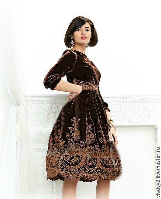 Платья ручной работы. Ярмарка Мастеров - ручная работа. Купить платье из бархата с вышивкой..шоколад. Handmade. Коричневый, офисный стиль