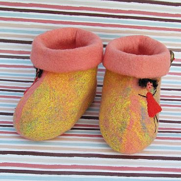 Footwear handmade. Livemaster - original item Shoes: Bright, soft, warm booties made of natural wool. Handmade.