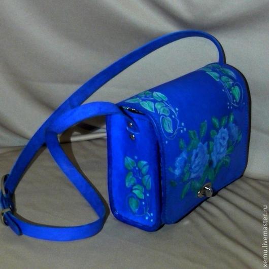 """Женские сумки ручной работы. Ярмарка Мастеров - ручная работа. Купить """"Голубые розы""""- небольшая сумочка через плечо. Handmade."""