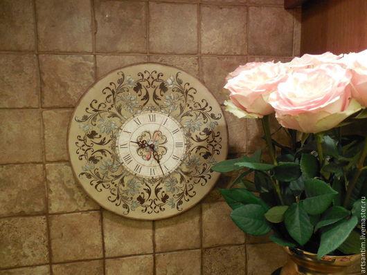 Часы для дома в винтажном стиле `Барокко в серебре2`