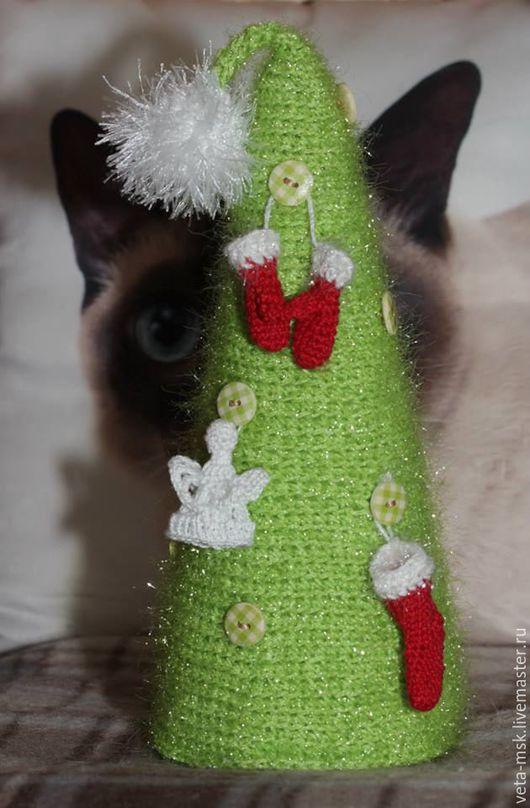 Новый год 2017 ручной работы. Ярмарка Мастеров - ручная работа. Купить Новогодняя елочка с мини-игрушками. Handmade. Елка, вязание