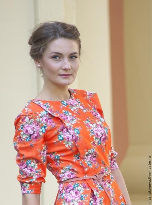 Платье в цветочек `Подружка`.