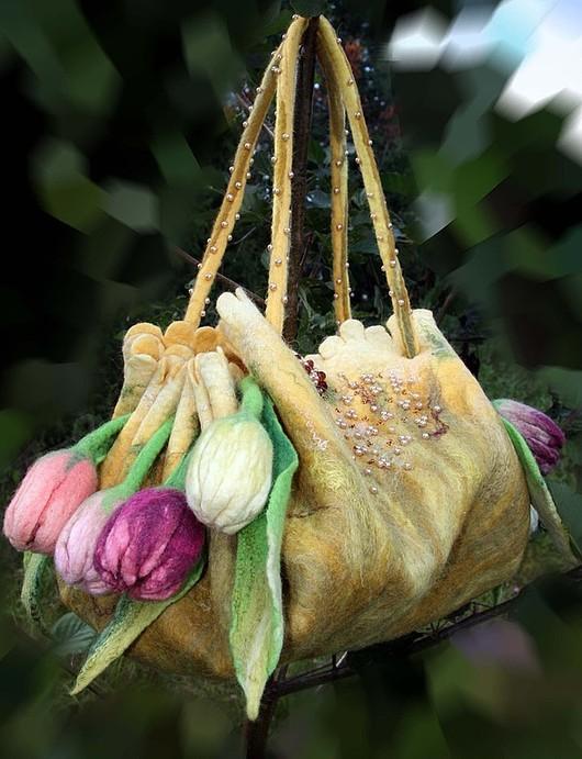 Женские сумки ручной работы. Ярмарка Мастеров - ручная работа. Купить ранние тюльраны (в желтом). Handmade. Валяная сумка