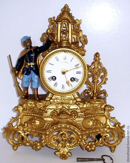 """Винтажные предметы интерьера. Ярмарка Мастеров - ручная работа. Купить 1860г. Антикварные каминные часы с маятником """"Солдат"""".. Handmade."""