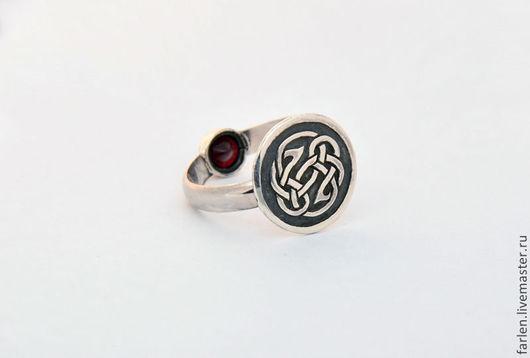 """Кольца ручной работы. Ярмарка Мастеров - ручная работа. Купить Кольцо """"Оборотень"""". Handmade. Оборотень, кольцо с гранатом"""