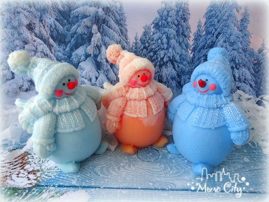 """Мыло ручной работы. Ярмарка Мастеров - ручная работа. Купить Снеговик """"Пухлячок"""". Handmade. Белый, новогодний сувенир, мыло сувенирное"""