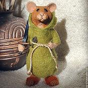 Куклы и игрушки ручной работы. Ярмарка Мастеров - ручная работа игрушка валяная из шерсти мышонок Маттиас, воин Рэдволла. Handmade.