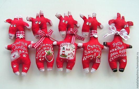 Ароматизированные куклы ручной работы. Ярмарка Мастеров - ручная работа. Купить Ароматные Жирафики . Магнитики.. Handmade. Жирафы, магнитик, холлофайбер