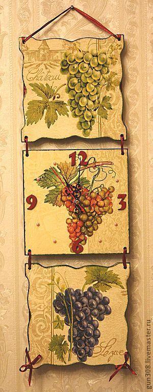 """Часы для дома ручной работы. Ярмарка Мастеров - ручная работа. Купить Часы-панно настенные """"Виноградная лоза"""". Handmade. Зеленый"""