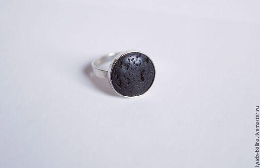 """Кольца ручной работы. Ярмарка Мастеров - ручная работа. Купить """"Тааль"""" колечко с вулканической лавой. Handmade. Черный, маленький размер"""