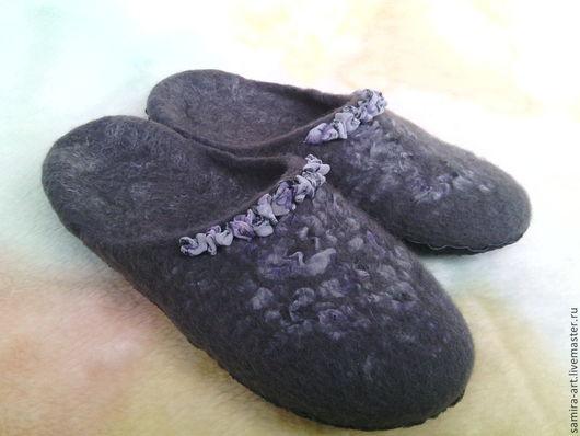 """Обувь ручной работы. Ярмарка Мастеров - ручная работа. Купить Тапочки валяные """"Waves"""". Handmade. Темно-серый, тапочки, шифон"""