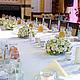Бело-кремовая свадьба - композиции на столе гостей