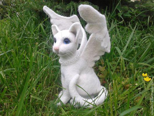 Игрушки животные, ручной работы. Ярмарка Мастеров - ручная работа. Купить валяная игрушка кошечка ангел. Handmade. Белый