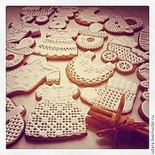 Сувениры и подарки ручной работы. Ярмарка Мастеров - ручная работа Прянички на  крестины  ребенка - белые, золотые, ажурные. Handmade.