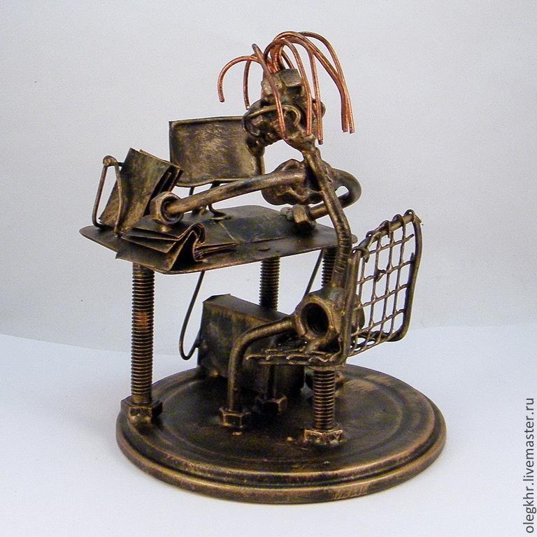 Миниатюрные модели ручной работы. Ярмарка Мастеров - ручная работа. Купить Офисная работница. Handmade. Металл, переходящий приз, гвозди