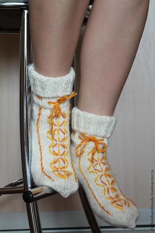 Носки, Чулки ручной работы. Ярмарка Мастеров - ручная работа. Купить Новогодние носочки. Handmade. Белый, подарок женщине