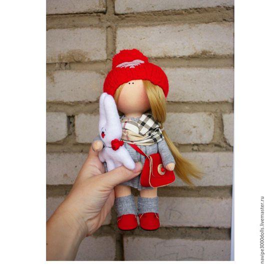 """Куклы тыквоголовки ручной работы. Ярмарка Мастеров - ручная работа. Купить Интерьерная кукла """"В красном с зайкой"""". Handmade. Комбинированный"""